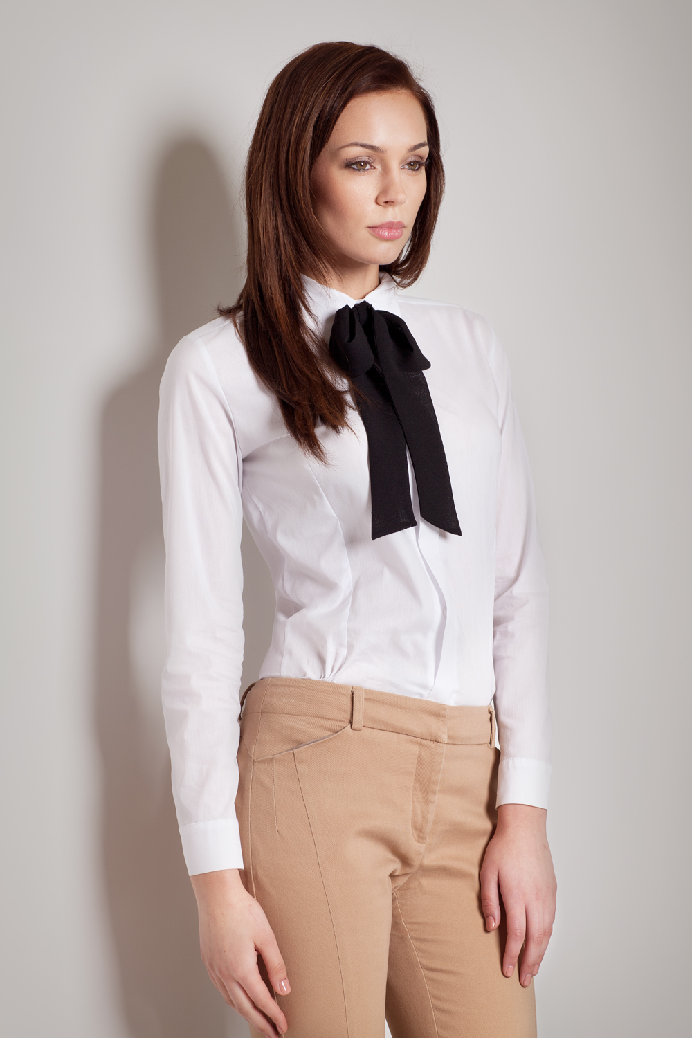 Contrast Pussy Black Bow Seam White Blouse With Cuffed Long Sleeves
